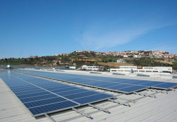 Impianto fotovoltaico su copertura industriale