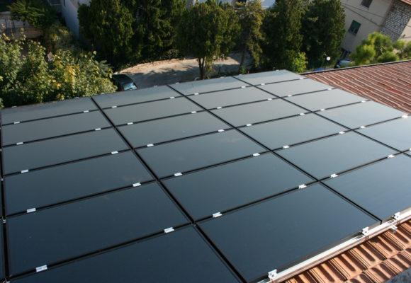 Impianto fotovoltaico amorfo su copertura civile